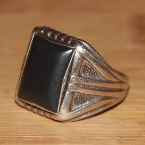 Vintage/Antique Sterling Silver Ring w/ Gray Stone